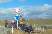 Řidič ujížděl policistům až 140 kilometrovou rychlostí.