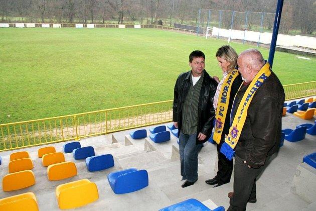 Slavnostní otevření zrekonstruované tribuny u fotbalového hřiště v Moravském Krumlově