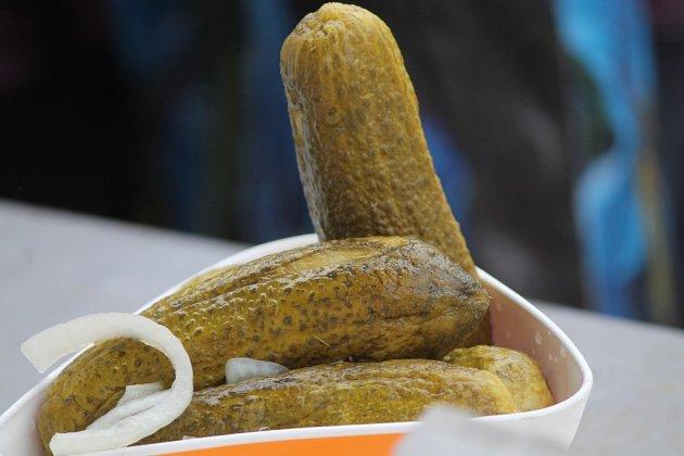 Centrum Znojma zaplnily v pátek farmářské trhy. Začaly totiž tradiční Slavnosti Okurek.
