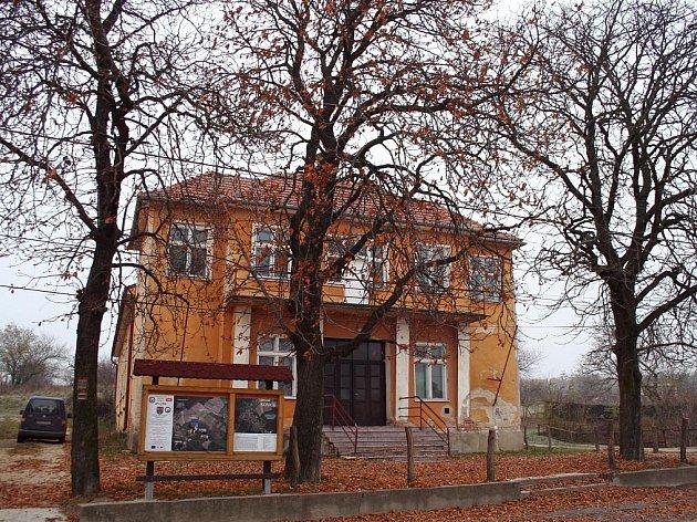 Kulturní dům v Konicích.