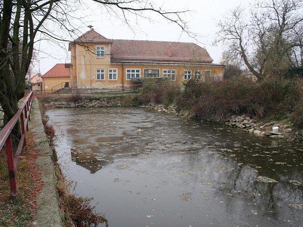Kulturní dům vKonicích.