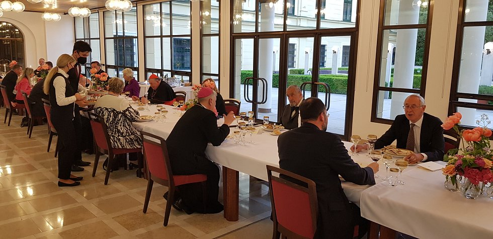 Pro hosty českého velvyslanectví ve Vídni nevařili studenti 'Přímky' poprvé.