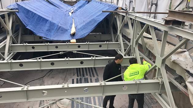 Oprava mostu u přehrady se prodlouží kvůli horšímu stavu. Skončit má do Vánoc
