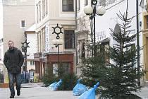 Originální adventní výzdoba Obrokové ulice ve Znojmě je minulostí.