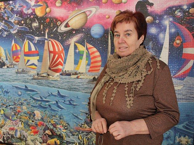 Skládání puzzlí baví Annu Počarovskou už déle než pětadvacet let.