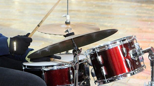 Mrznoucí jazz rozehřál kolemjdoucí v centru Znojma