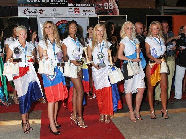 Titul Miss Personality neboli Miss osobnost si z ostrovního státu Malta přivezla rodačka ze Znojma Simona Rolníková.