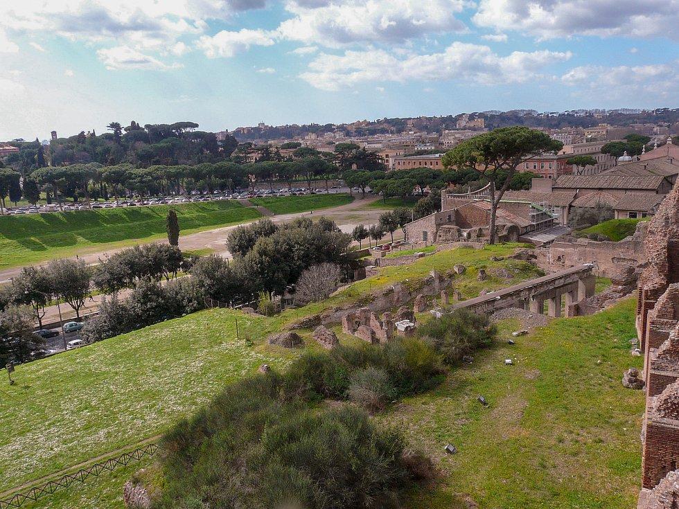 Pohled z Palatinu na Velký cirk.
