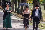 Eleganci někdejších společenských vycházek, korzování v Horním parku, připomněl v neděli tradiční promenádní koncert Okrašlovacího spolku.