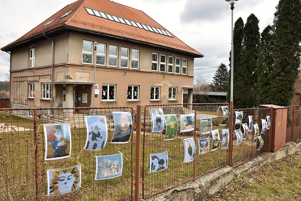 Základní škola Břežany