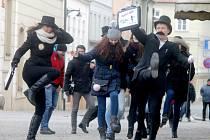 Jiří Kotáb a Michaela Cahová stojí za pořádáním prvního oficiálního Silly Walk Znojmo.