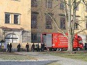 Pět pláten Slovanské epopeje odvezla Galerie hlavního města
