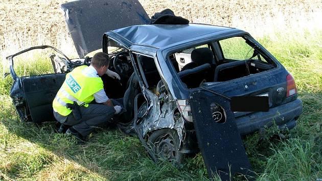 Středně těžké zranění řidiče Fordu a stotisícová škoda. To je výsledek čtvrteční ranní kolize nedaleko Bantic.