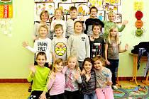Žáci 1.B ze ZŠ Vrbovec s paní učitelkou Vladimírou Slabou.