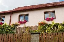 Rozkvetlé Znojmo. Zástupci znojemské radnice každý rok vyhlašují soutěž o nejkrásnější květinovou výzdobu oken, balkonů a předzahrádek znojemských domů a bytů. Letošní ročník už zná své vítěze.