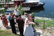 Historicky  první svatba na lodi se konala minulý víkend na Vranově