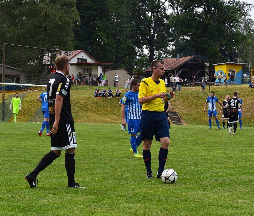 Fotbalisté 1. SC Znojmo se účastnili po roční odmlce turnaje v Počátkách, který nese název Křišťálový pohár, a po pokoření Prostějova (na snímcích) nestačili ve finále na Táborsko.