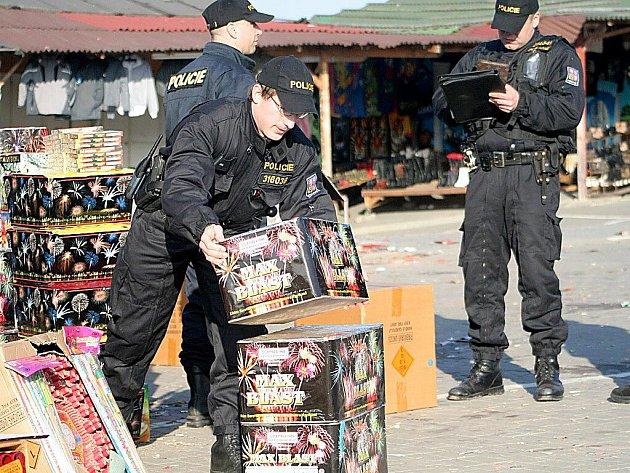 Policie provedla opakovaný zátah v Hatích. Tentokrát obsadila menší tržnici nedaleko hranic.