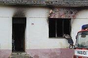 Při nočním pořáru rodinného domu v Oleksovicích zahynuly tři malé děti.