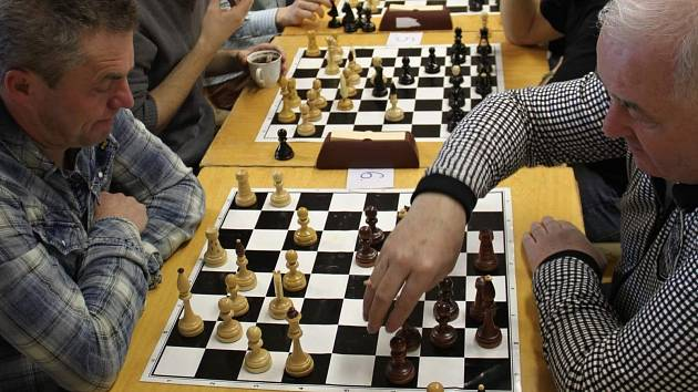 Šachisté z okolí Znojma odehráli novoroční turnaj v šachu.