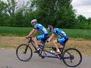Na trať letošního osmnáctého ročníku Vinařské padesátky vyrazilo přes čtrnáct stovek jezdců.