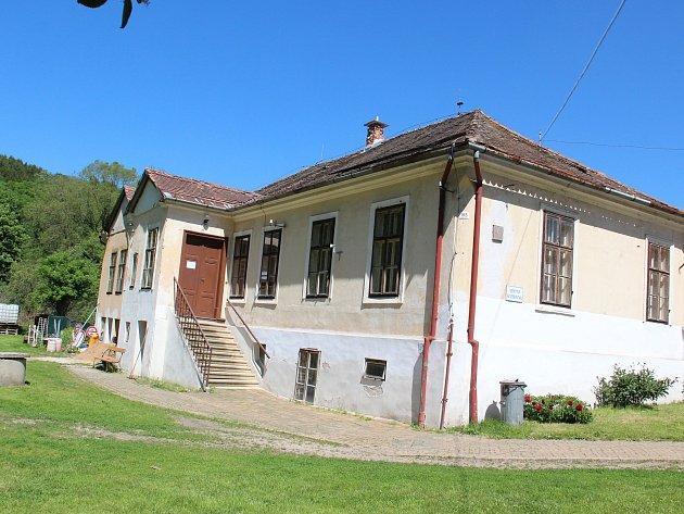 Budova knihovny ve Vranově nad Dyjí.