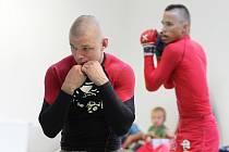 Znojemský oddíl Valetudo RK Znojmo uspořádal soustředění borců, kteří se zajímají o sport nazývaný zkratkou MMA. Je složena z anglického Mixed Martial Arts, což v překladu znamená smíšená bojová umění.