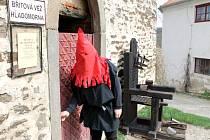 Hrad Bítov nabízí mimo jiné prohlídky středověké mučírny.