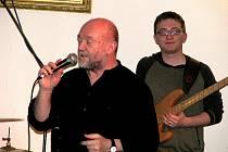 Fenomenální slovenský muzikant Peter Lipa.