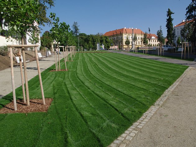 Znojemský park. Ilustrační foto.