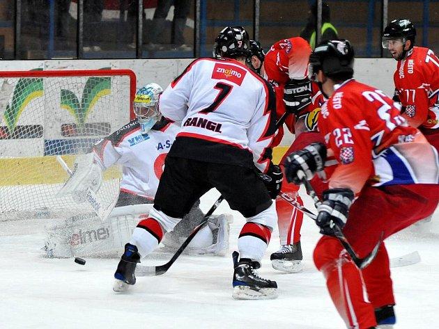Orli Znojmo porazili Olomouc 5:3.
