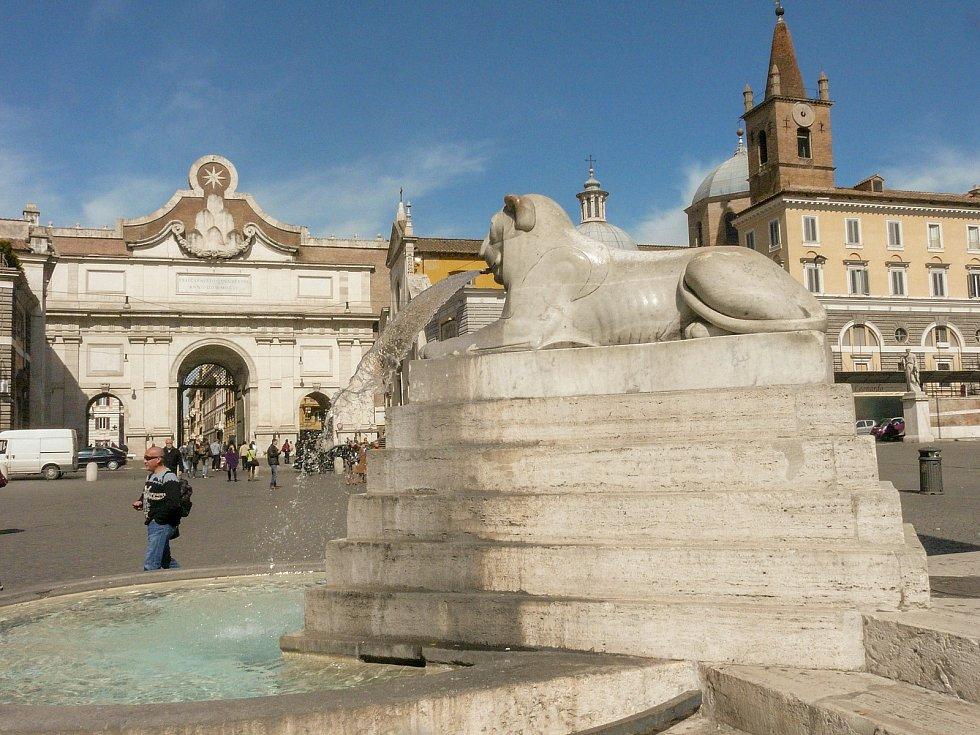 Někdejší Porta Flaminia, nynější Porta dei Popolo, nesla ve středověku jméno svatého Valentýna.