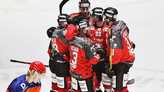Hokejoví Orli porazili Drtiče. Hodonín vyprovodili čtyřmi góly