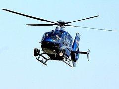 Policejní vrtulník s termovizí.