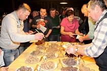 Jubilejní desátký ročník soutěže Jevišovická jitrnice připravili pořadatelé z nejmenšího města na Znojemsku.