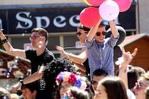 Pondělí patřilo ve Znojmě studentům středních škol. Slavili tradiční Majáles.