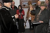 Rakouská hraběnka Pilati von Thassul pokřtila knihu o Glyptotéce známého surrealistického umělce Lubo Kristka.