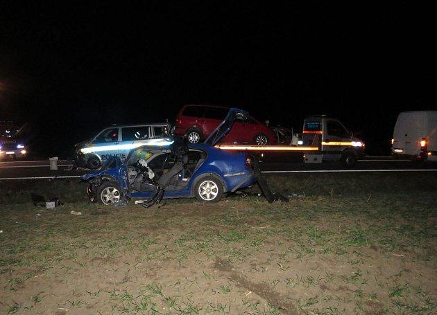 Vyšetřovali nehodu, když do nich naboural další řidič. Vezl suroviny na drogy