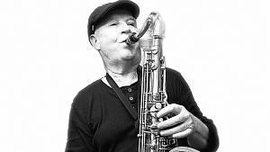 Saxofonista Karel Fojtík se svým Big Bandem ZUŠ Znojmo