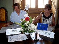 Na hradě Bítov ve čtvrtek podepsali smlouvu zástupci NPÚ a projektu Top cíle