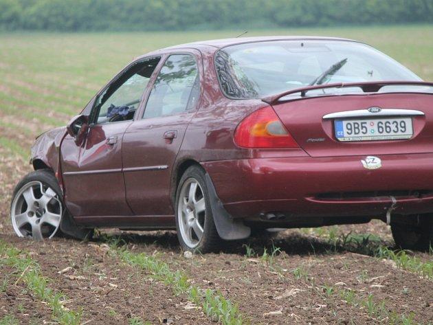 Ranní nehoda za Znojmem na silnici I/53.