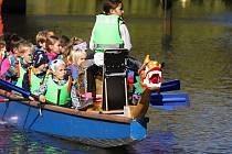 Jedenáctý ročník Festivalu dračích lodí zahájily posádky složené z dětí z mateřských škol a prvního stupně základních škol z celého Znojemska