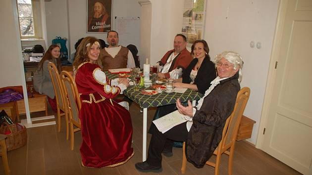 Speciálními prohlídkami oslavili v  pátek na miroslavském zámku Čarovné jmeniny. Foto: archiv správy zámku