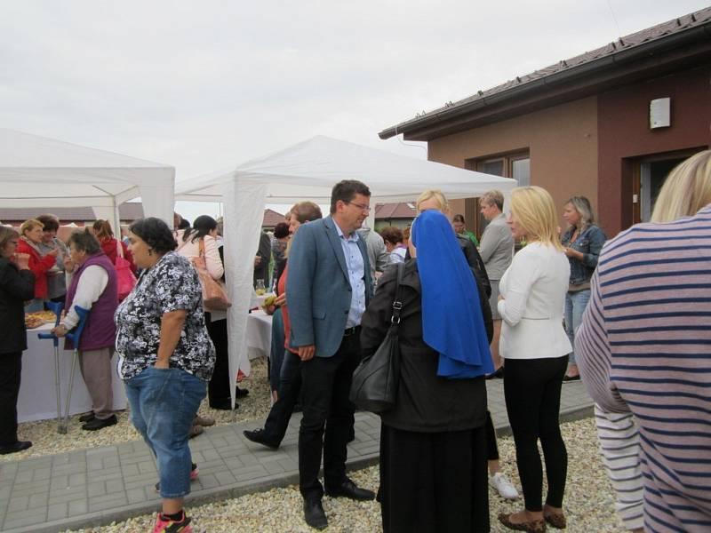 Pro šest klientů Zámku Břežany mají nově v Šanově bydlení.