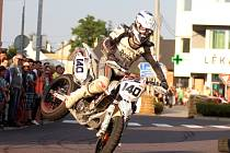 Motorkářské dovednosti mohli diváci obdivovat na čtvrtém ročníku Supermota.