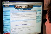 Internetové stránky obce Plenkovice jsou o e-nástěnku chudší. Ilustrační foto