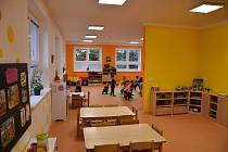 Po měsících strávených v družině zamířily ve středu hrabětické děti do nové školky.