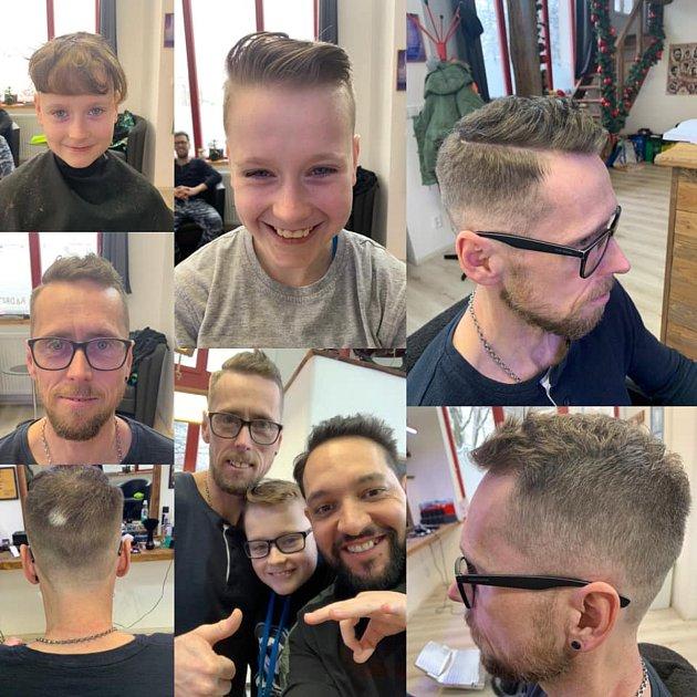 Znojemský barber Lukáš Pospíšil se svými klienty. Muži ichlapci si kněmu chodí odpočinout.