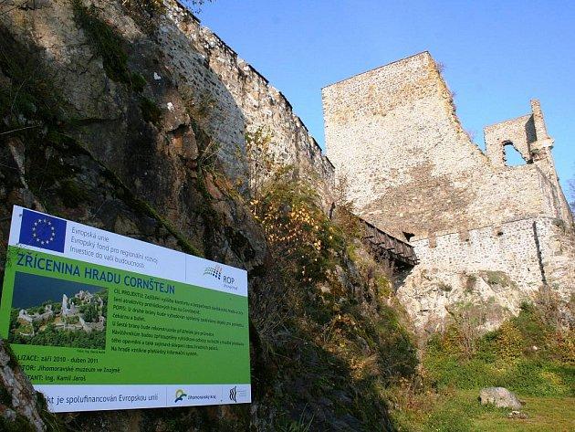 Začaly opravy zříceniny hradu Cornštejn.