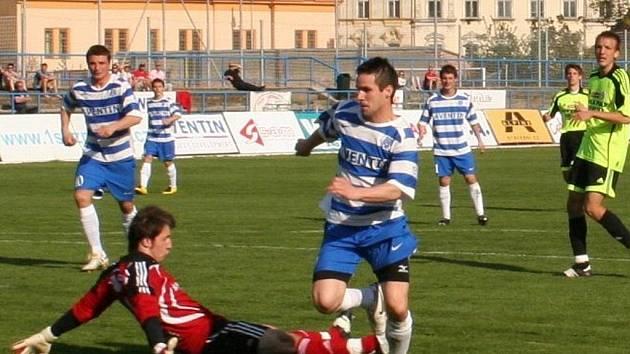 Šlágr MSFL: 1. SC Znojmo (v pruhovaném) vs SK Sigma Olomouc B